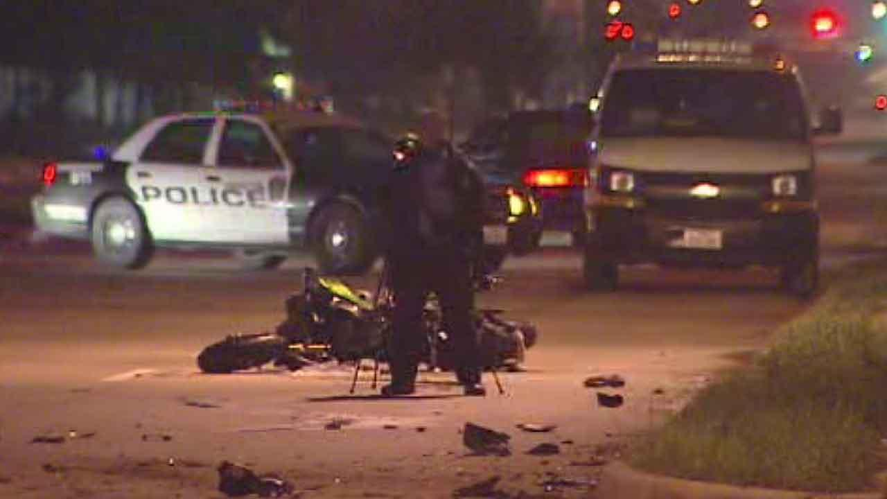 Houston police say a motorcyclist was killed when he crashed into a pickup truck while going about 100mph