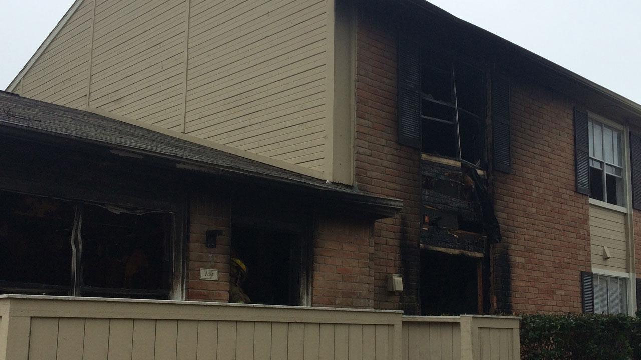 Conroe apartment fire
