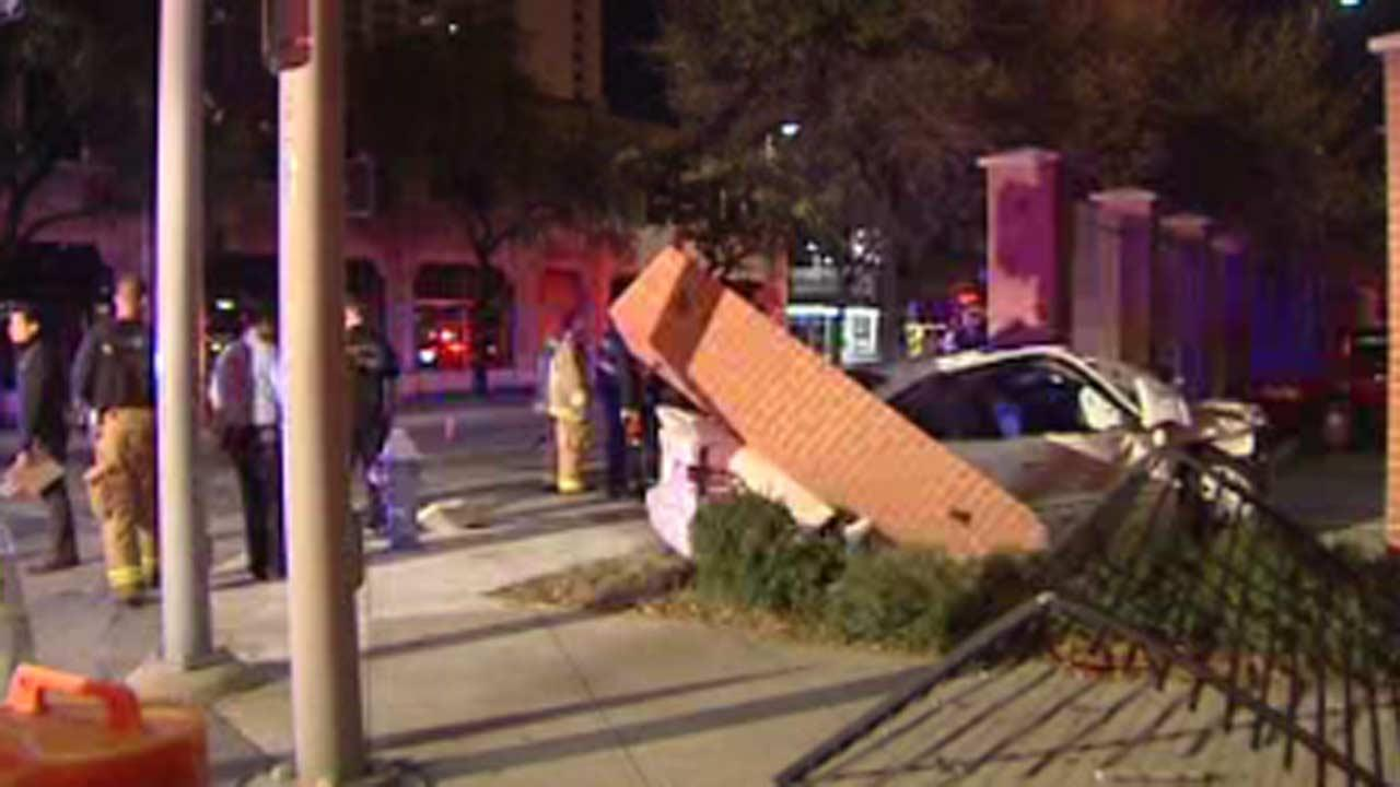 Police: Red light runner caused wreck in downtown Houston