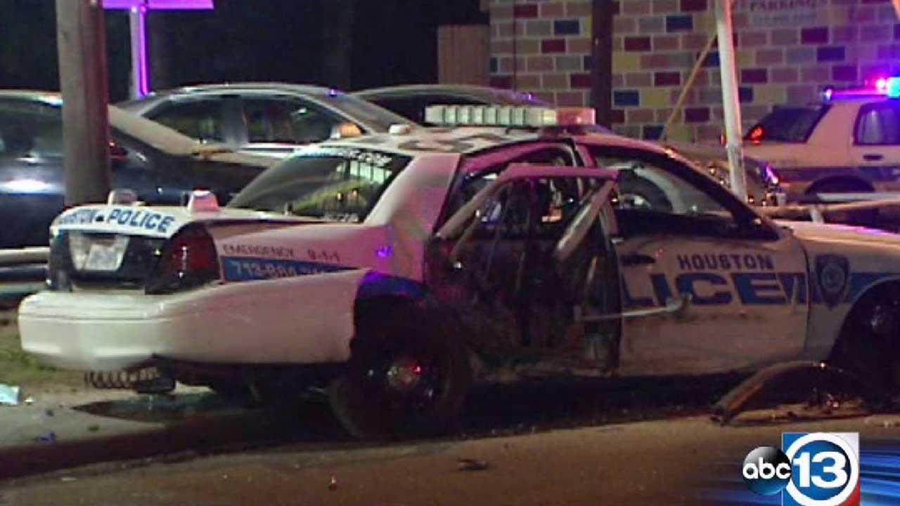 Officer injured in crash