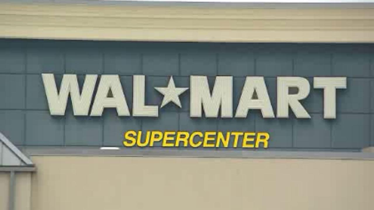 Walmart makes organic foods push