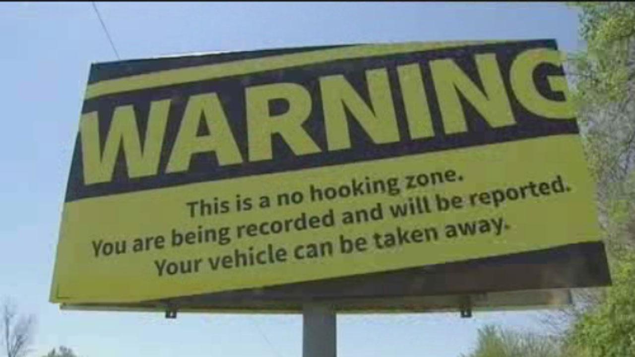 No hooking billboard