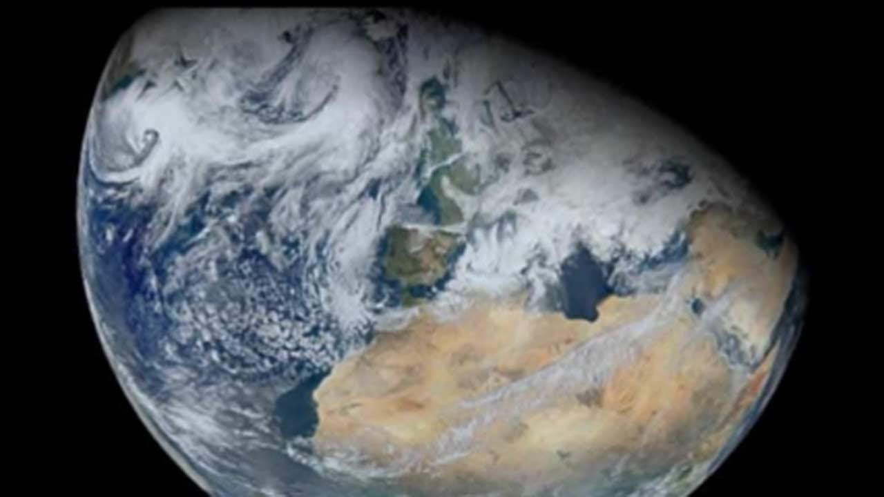 NASA wants your selfies to help celebrate Earth Day
