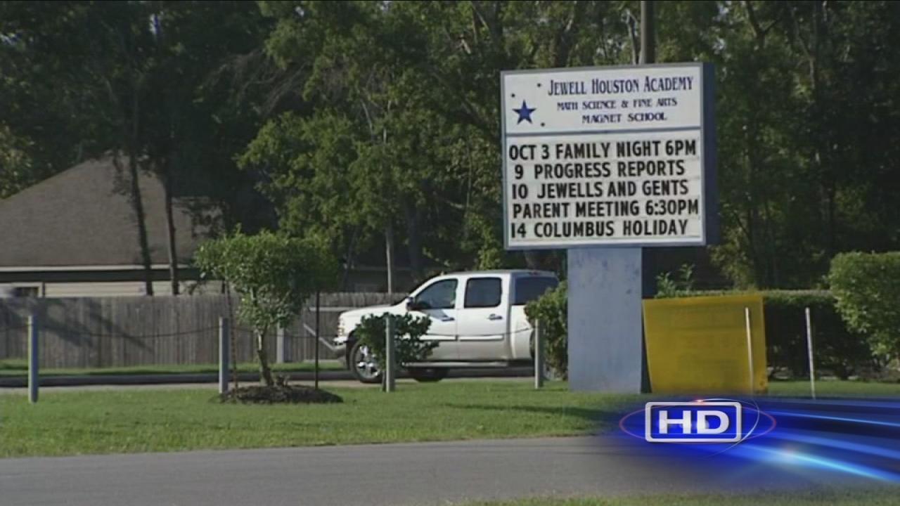 Aldine ISD school placed on lockdown after man runs inside