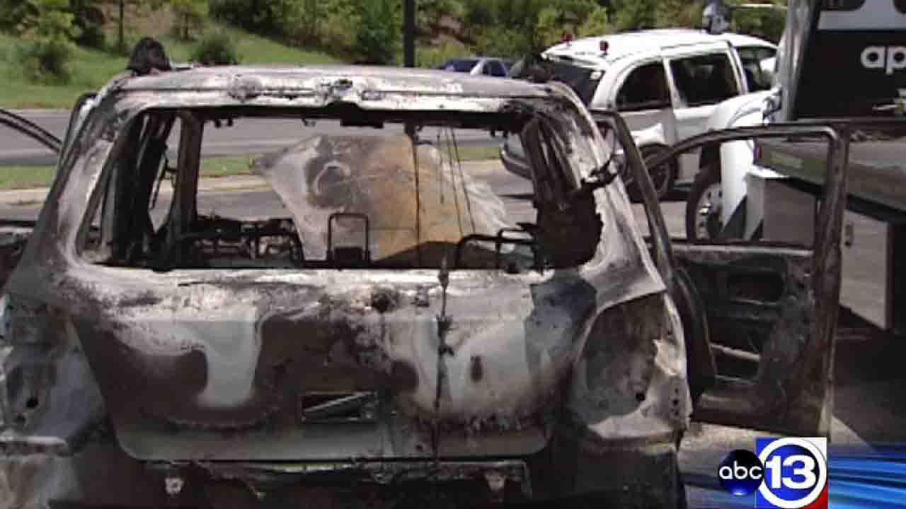 11 people injured in fiery 2-vehicle collision in southeast Houston