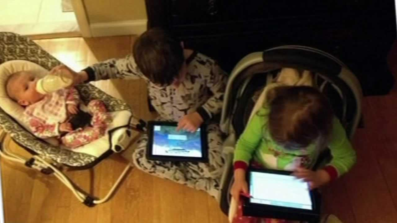 Mommy bloggers photo sparks internet backlash