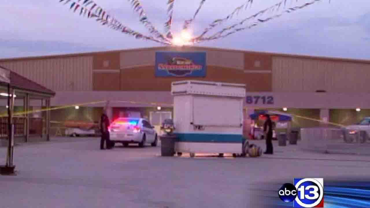 Man fatally shot at north Harris County flea market