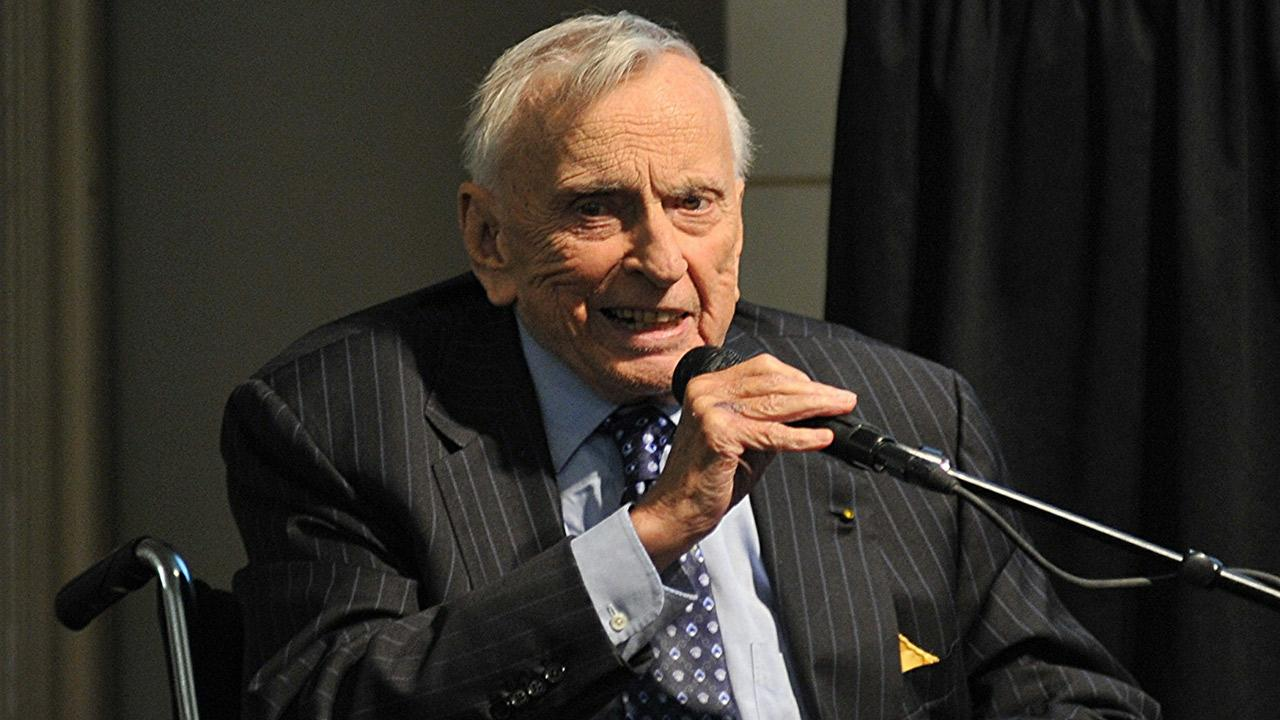 Gore Vidal appears at Barnes and Noble in Union Square in New York City on Oct. 21, 2009.flickr.com/photos/asterix611/