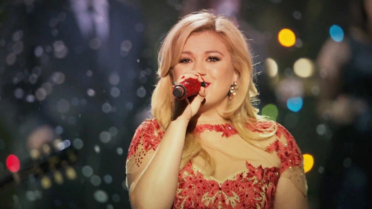 Kelly Clarkson releases 'Underneath The Tree' music video ...