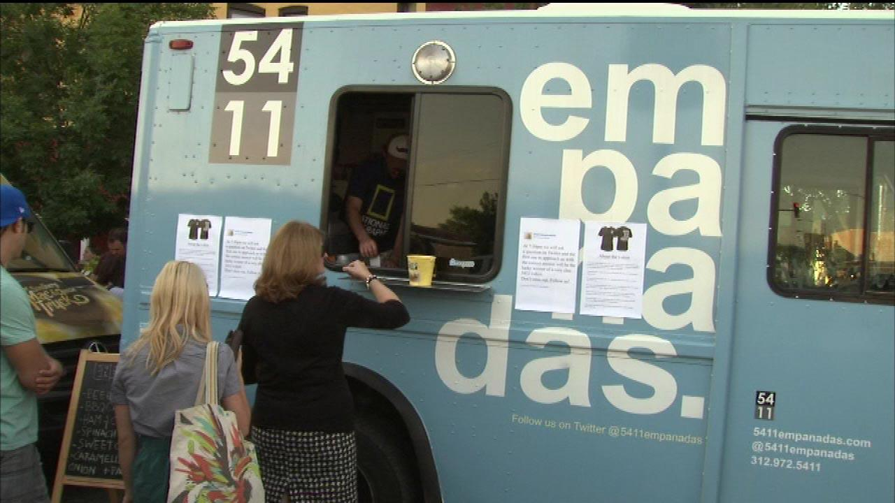 Chicago food trucks OK to cook onboard, City Council says