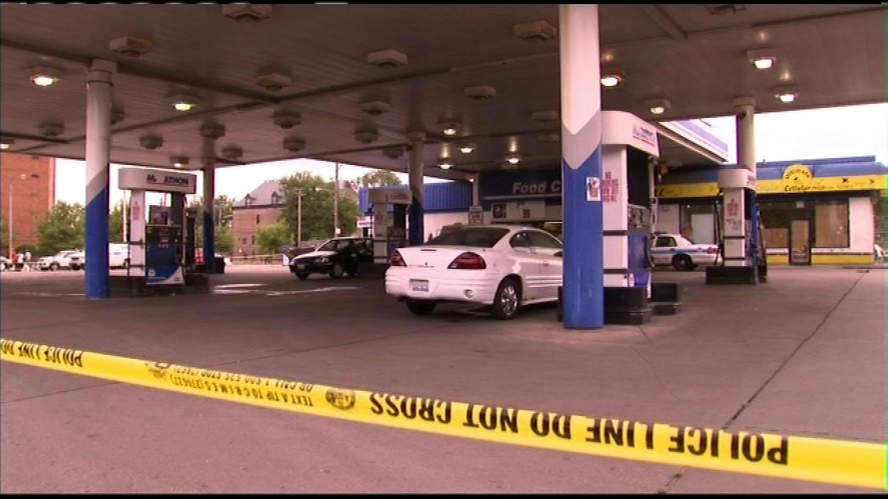 Gas station clerk fatally shot during robbery