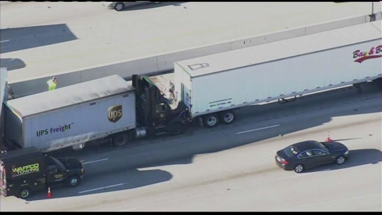 4-truck collision causes 9-mile WB Borman backup