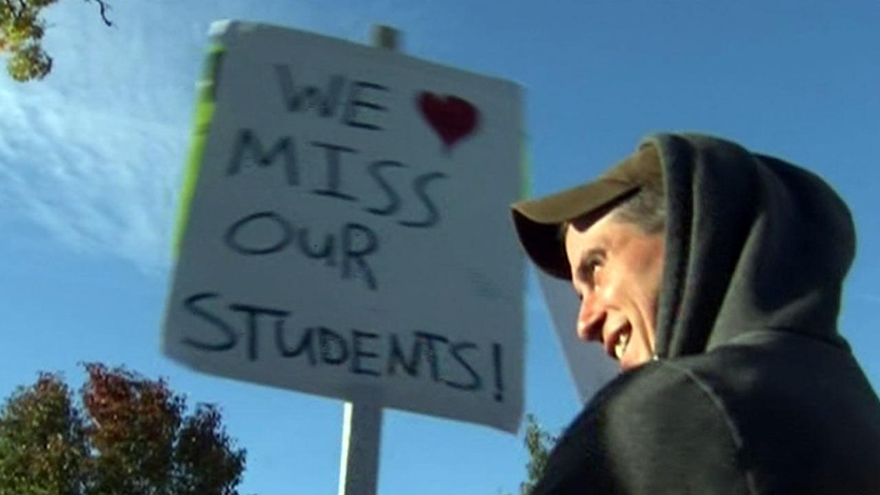 Evergreen Park school board expected to vote on new teachers' contract