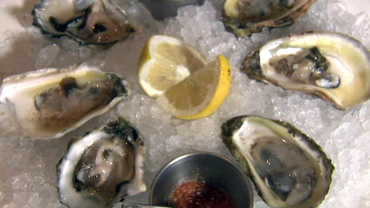 Chicago Oyster lovers shuck, slurp at The Savoy