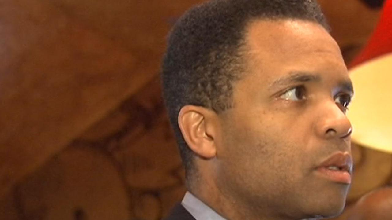 Intelligence Report: Jesse Jackson Jr. plea bargain negotiations have been going on for months