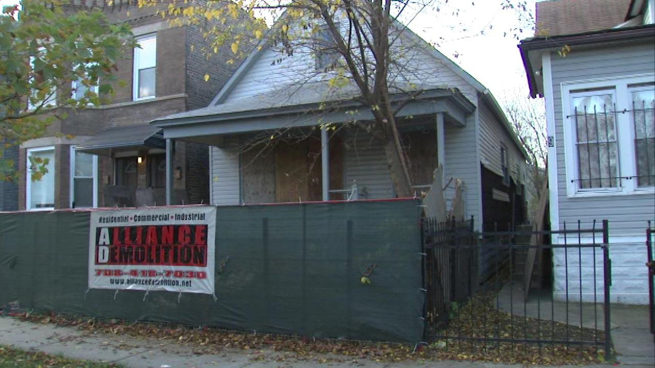 Chicago demolishes 200th vacant building