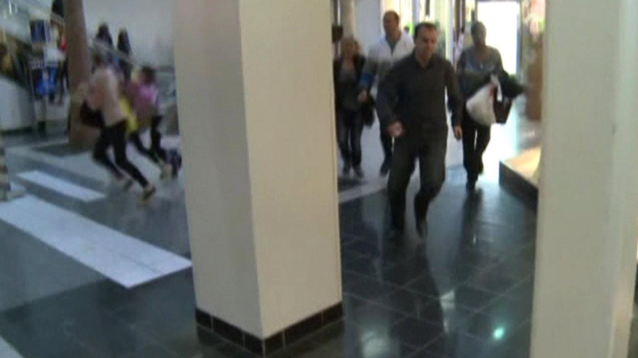 Sacramento mall fight sends shoppers running