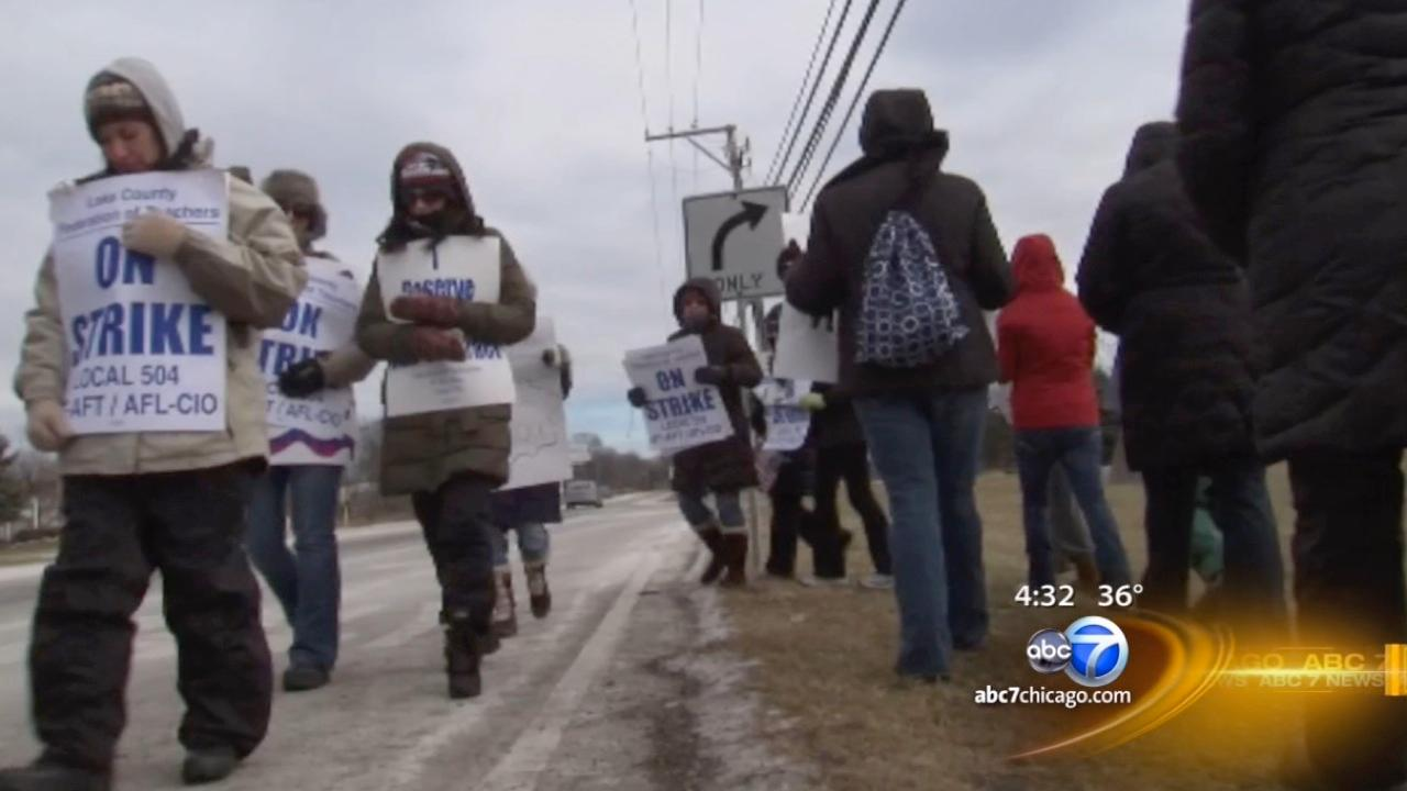 District 46 teachers strike continues for 3rd day