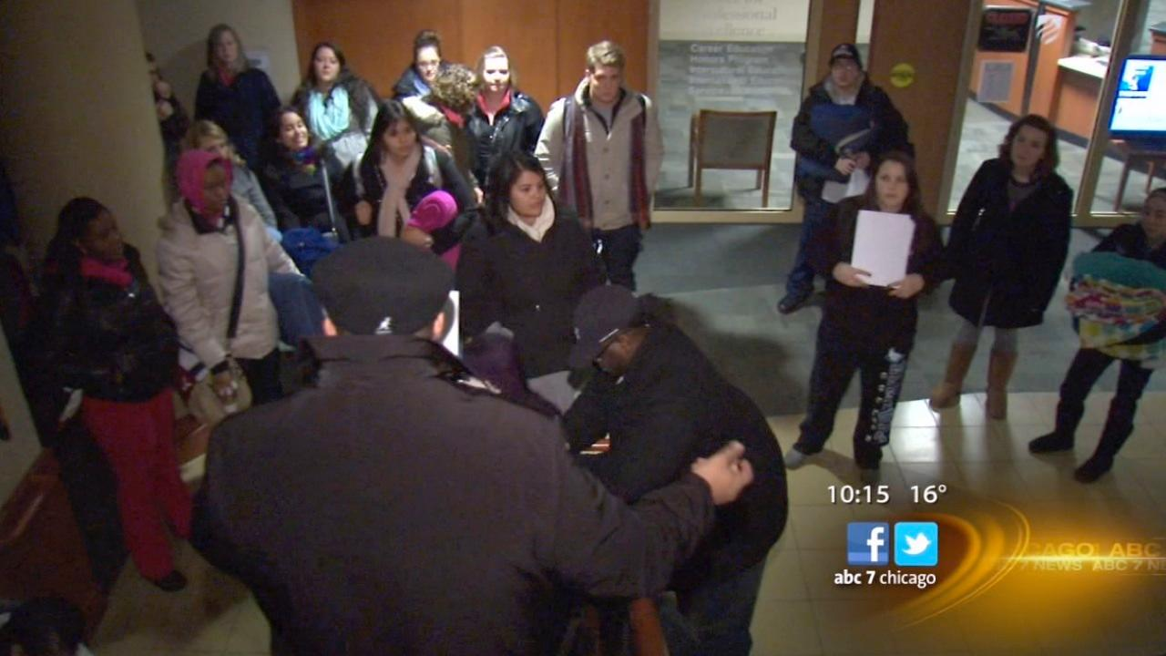 Elmhurst College students travel to see inauguration