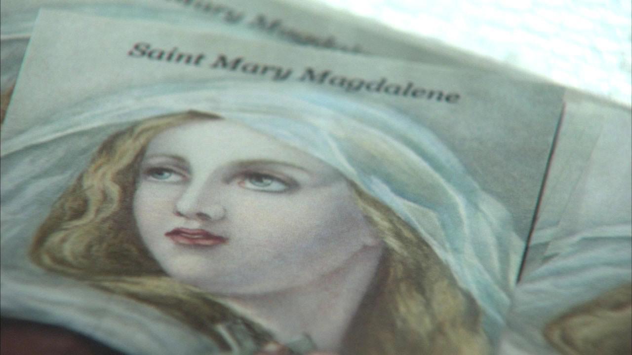 Mary Magdalene shin bone on Ill. tour