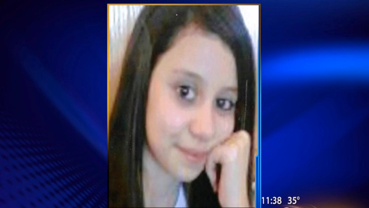 Aurora police looking for missing 12-year-old girl