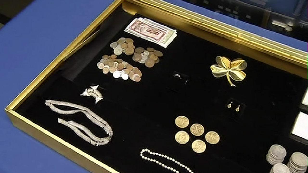 State officials are set to auction off thousands of pieces of unclaimed property next week.