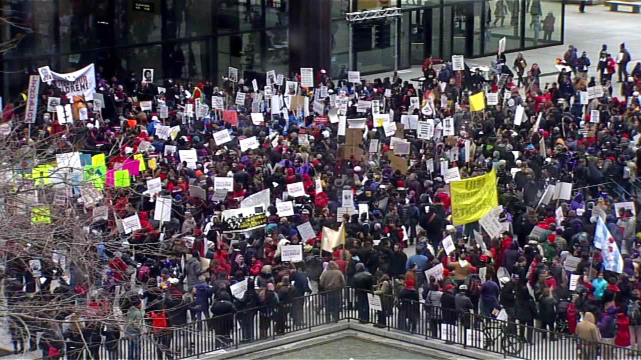 Chicago Teachers Union march starts at Daley Plaza at 4:40 p.m., loops around City Hall, then south on Clark toward CPS HQ