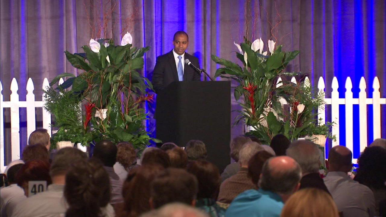 Duerson's son honored for suicide awareness work
