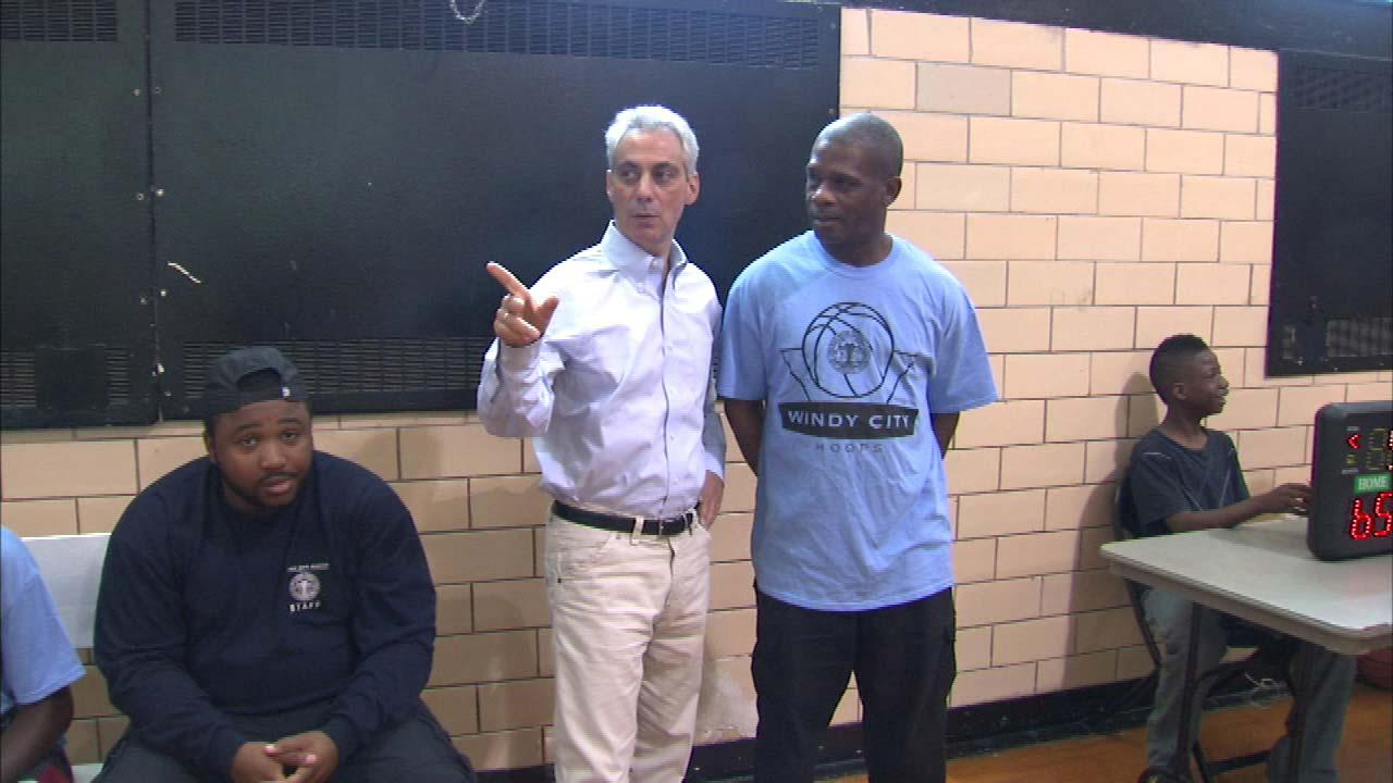 Free basketball clinics at Chicago parks during summer; Nike partnering to offer Chi League Parks