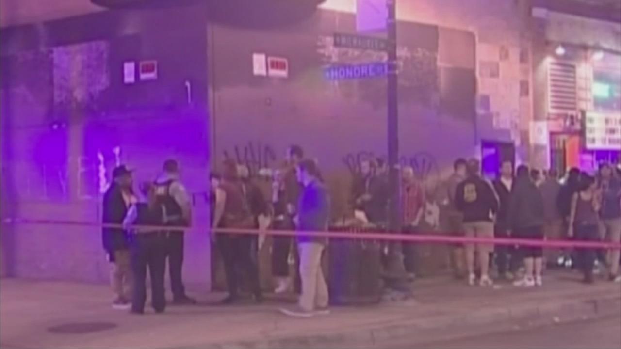 Wicker Park shooting kills 19-year-old man on North Milwaukee