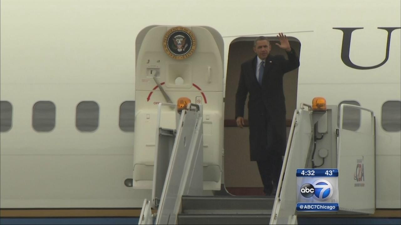 Obama arrives in Chicago for 2 fundraisers
