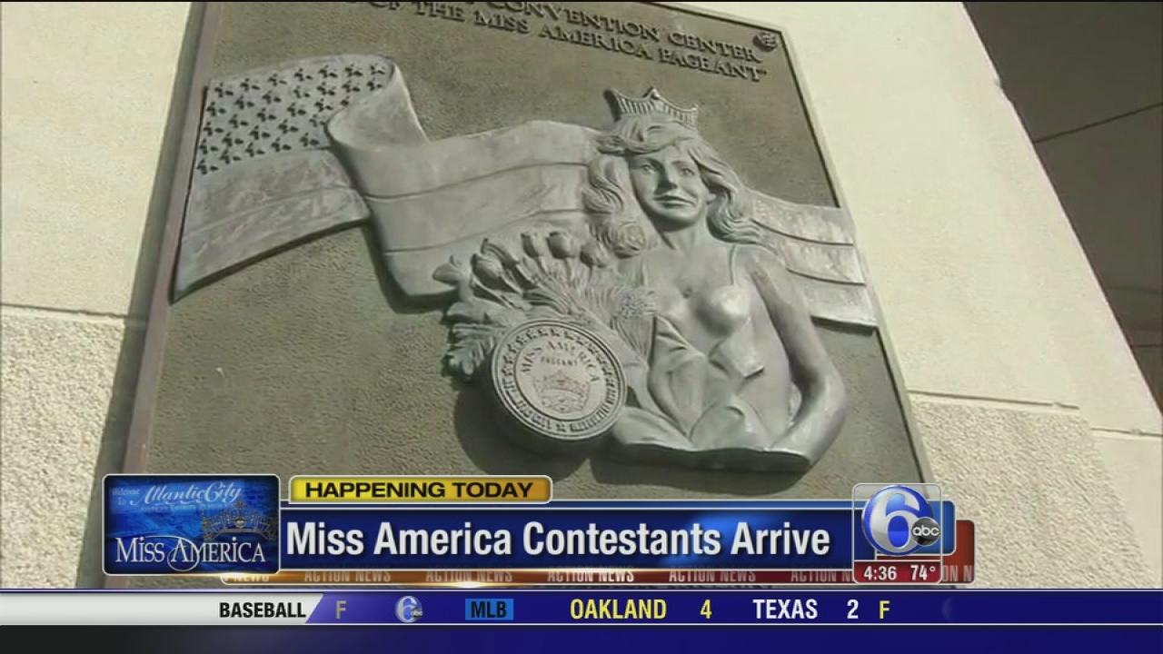 Miss America contestants arrive