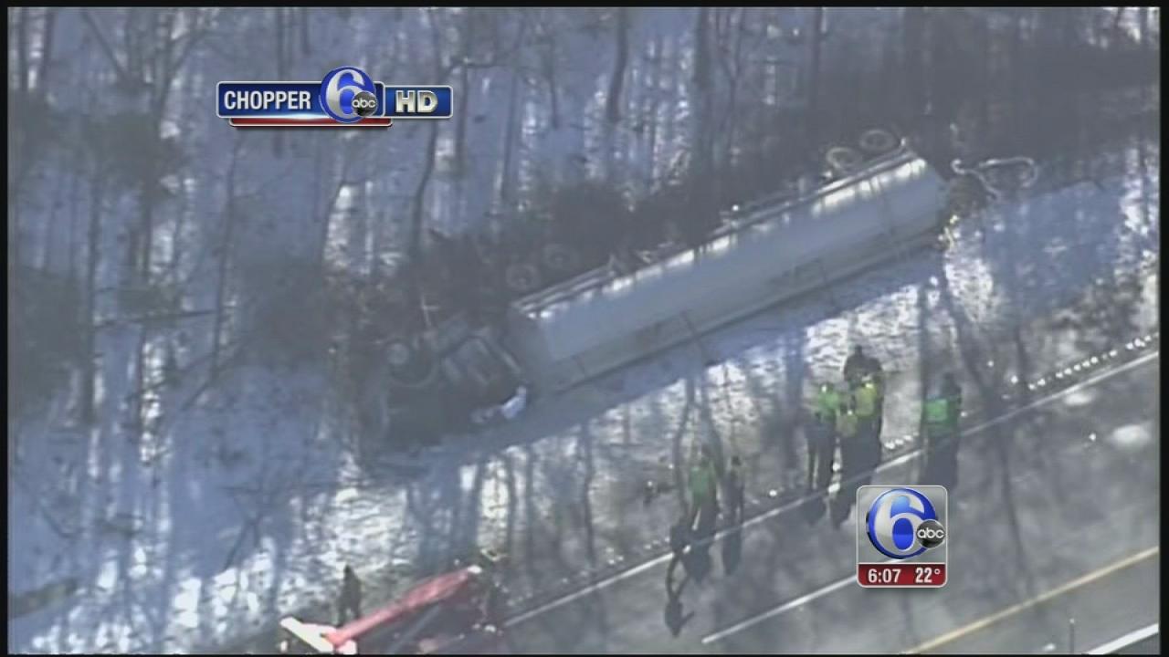2 trucks, 2 cars involved in NJ Turnpike crash