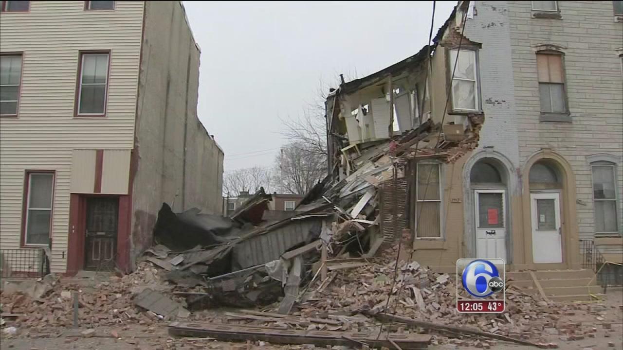House collapses in North Philadelphia