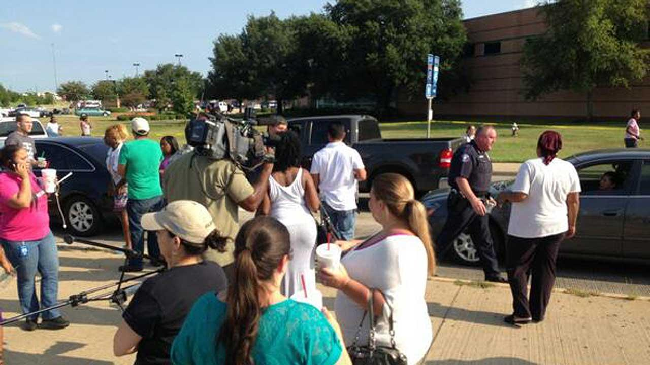 1 dead, several injured in Houston, Texas high school stabbing