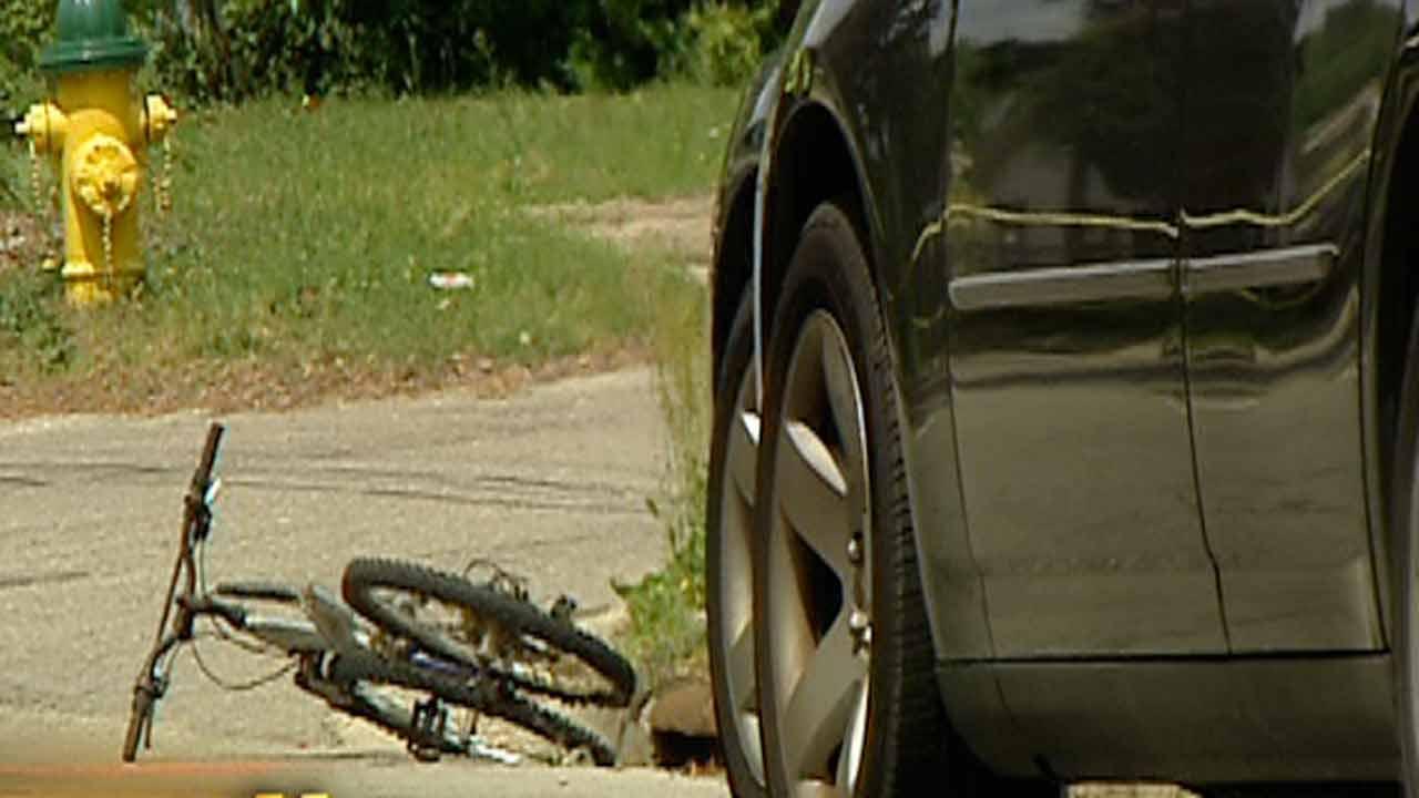 Fayetteville police urge caution on roads, crosswalks