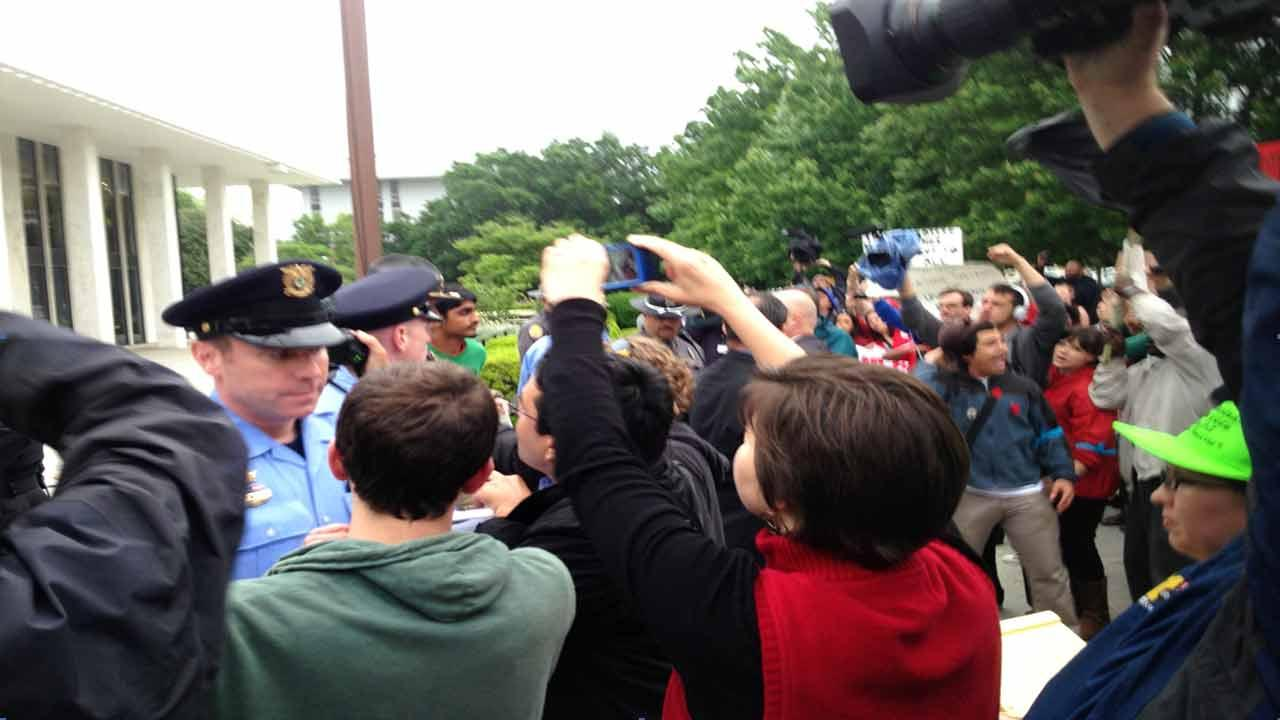 5 students arrested at rally outside Legislature