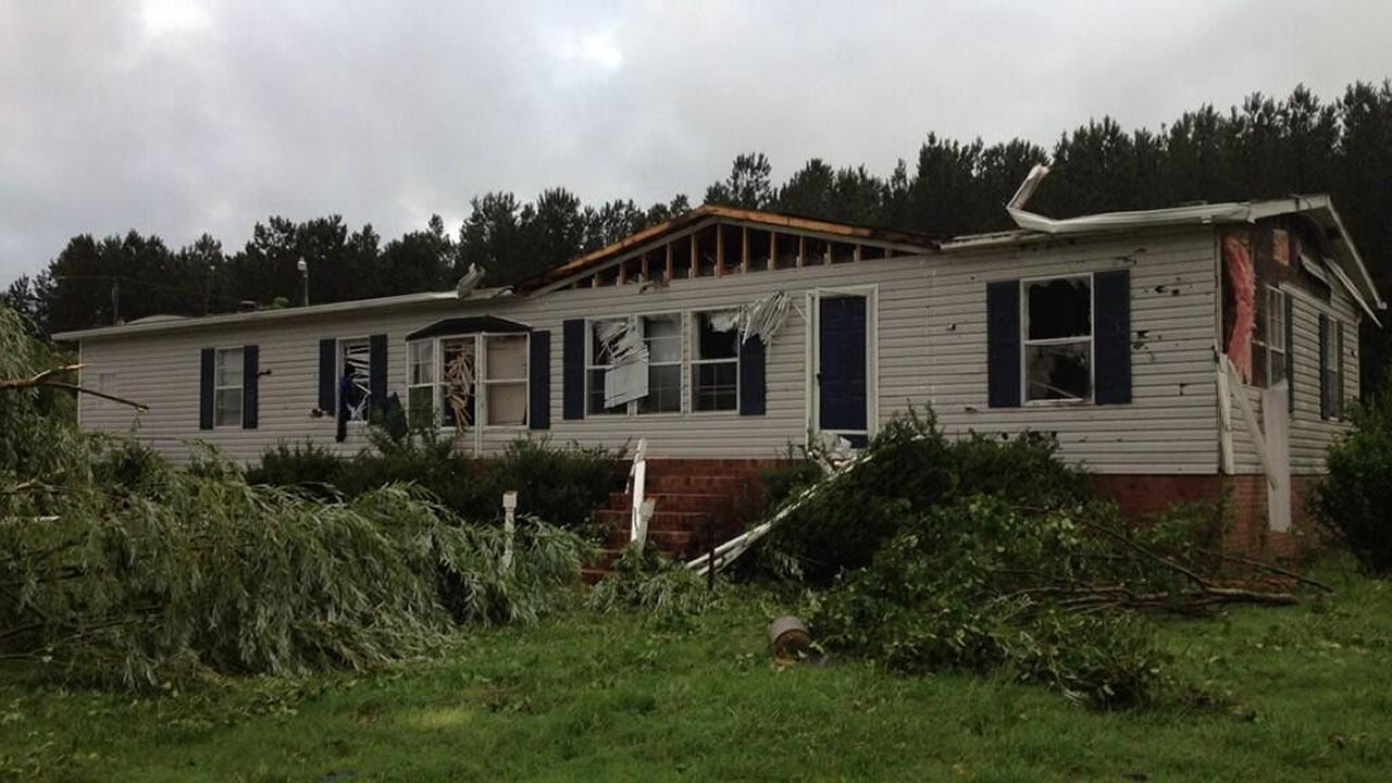 Franklin County residents clean up after possible tornado