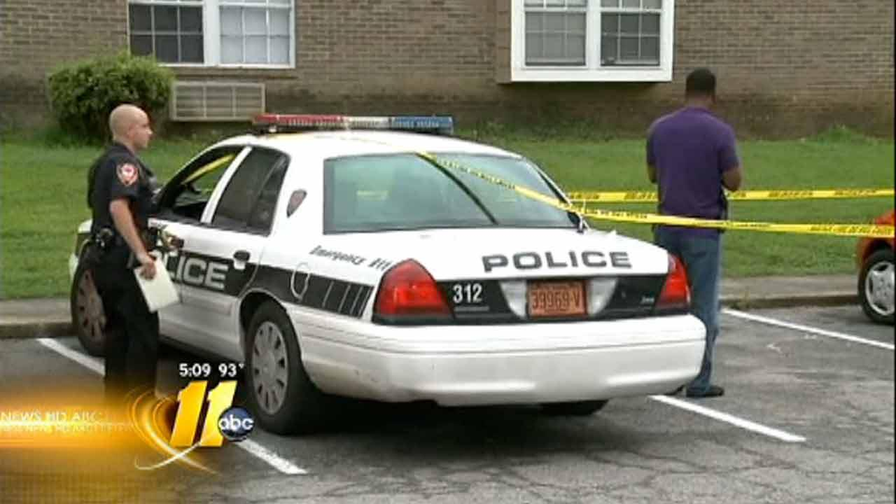 Durham police search for robbery suspects