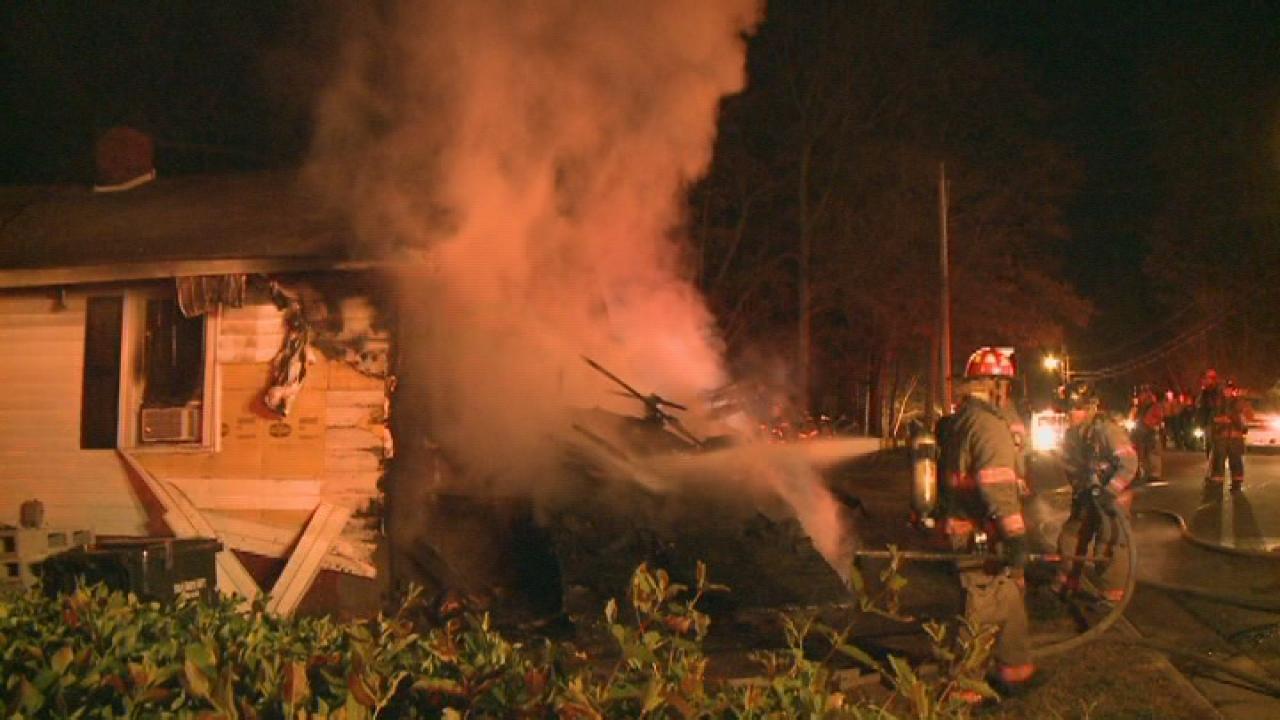 Firefighter hurt in Durham blaze