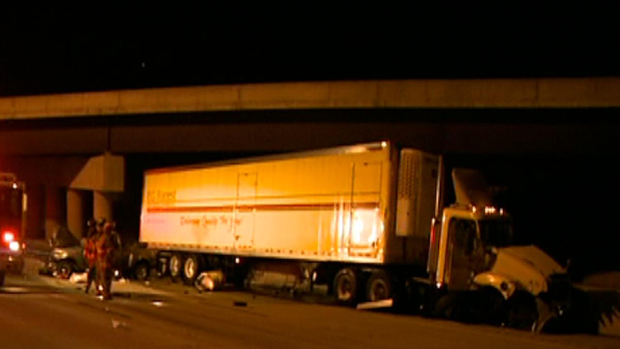 An accident involving an 18-wheeler and a truck caused part of I-85 to close Friday morning.