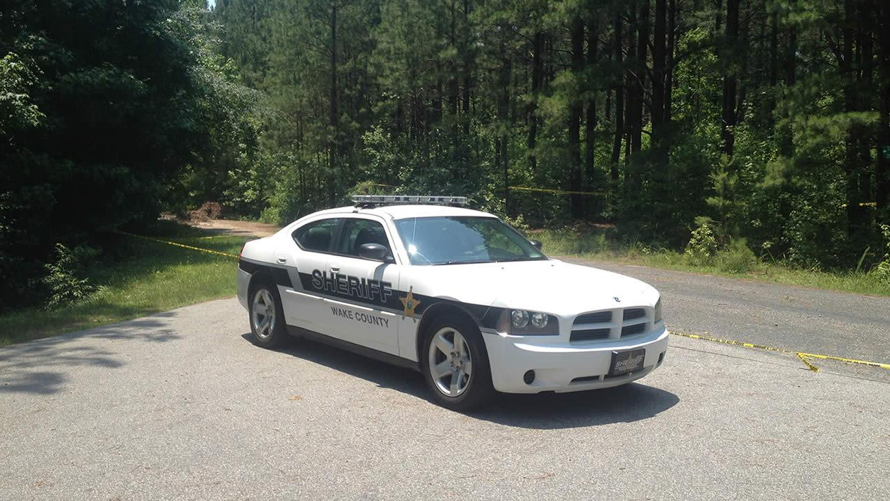 Body found near Falls Lake