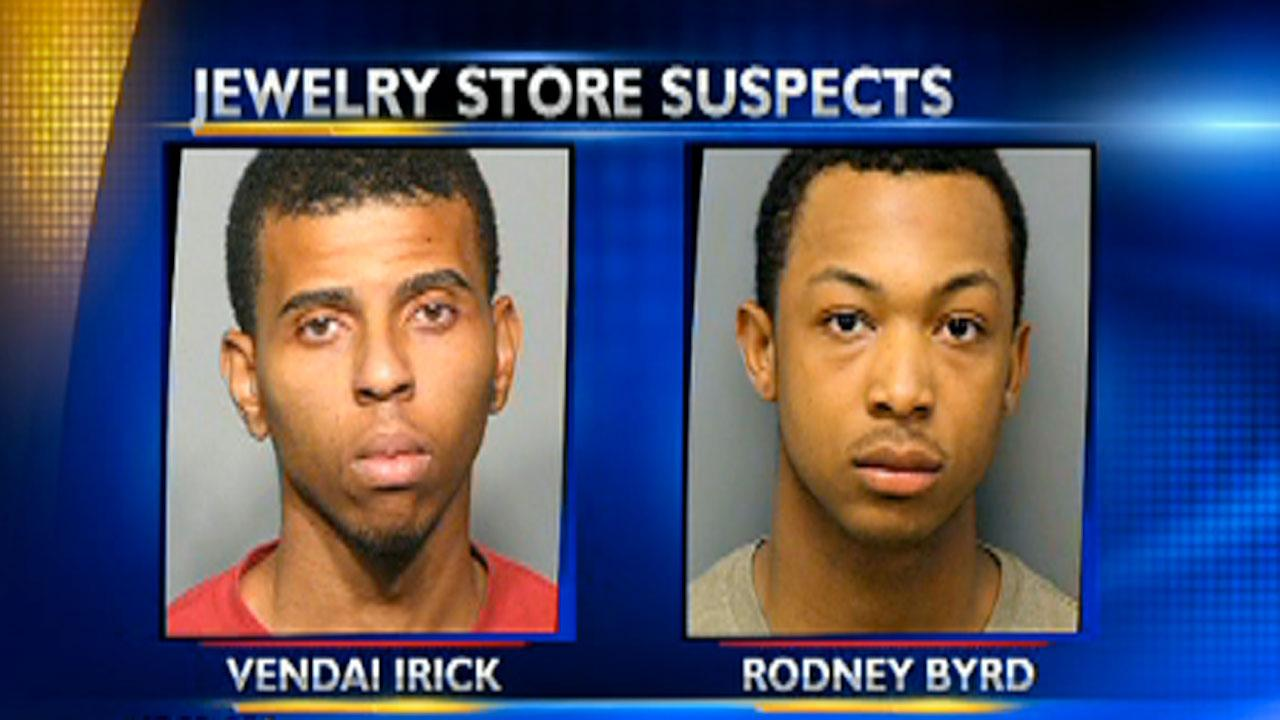 3 suspects in jewelry store robbery in custody