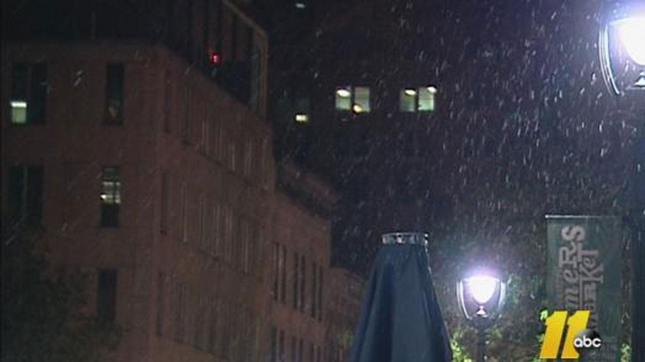 Flurries in downtown Raleigh