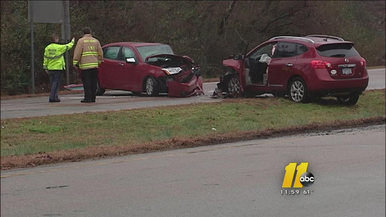 5 hurt in Raleigh wrong-way accident near State Fairgrounds