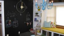 Bloggers Turn Old Dining Room into Playroom