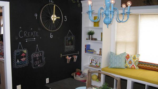 Design Bloggers Turn Old Dining Room into Playroom