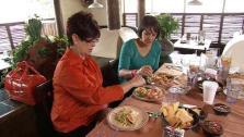 Ali Vincent, Mom Reminisce About Bad Eating Habits at Restaurant