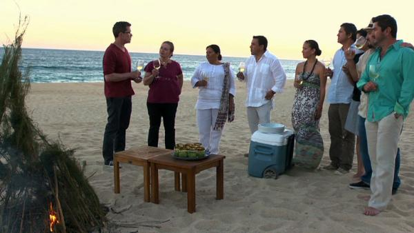 Complete Episode: Baja Beach House Cooking