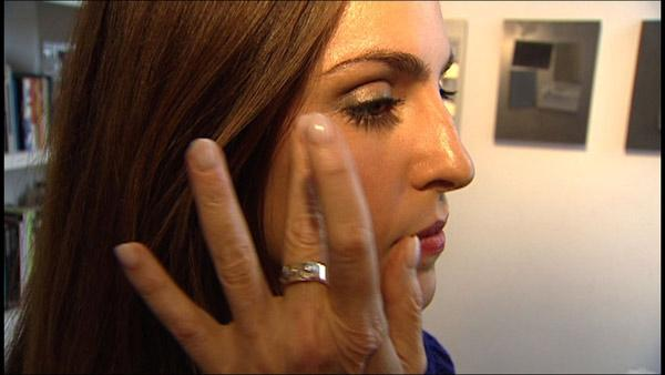 How to Apply Makeup with your Fingers
